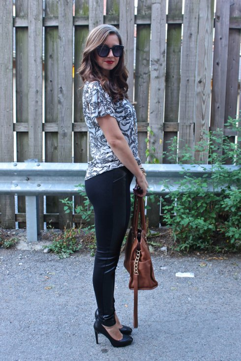 La Mariposa: Leather Stripe Legging
