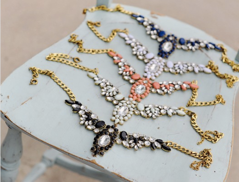 GroopDealz: Statement Necklace